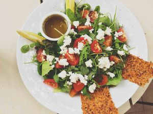 SaladJuiceBarNosara